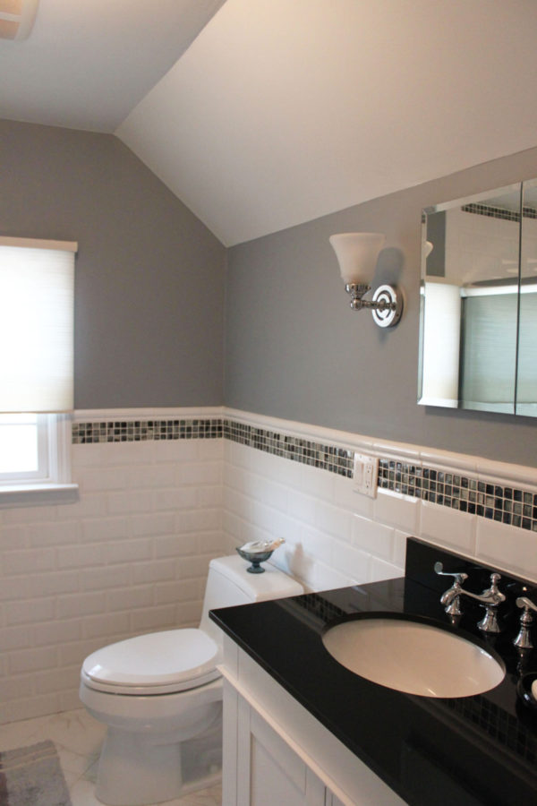 Gray Color for Walls in Bathroom