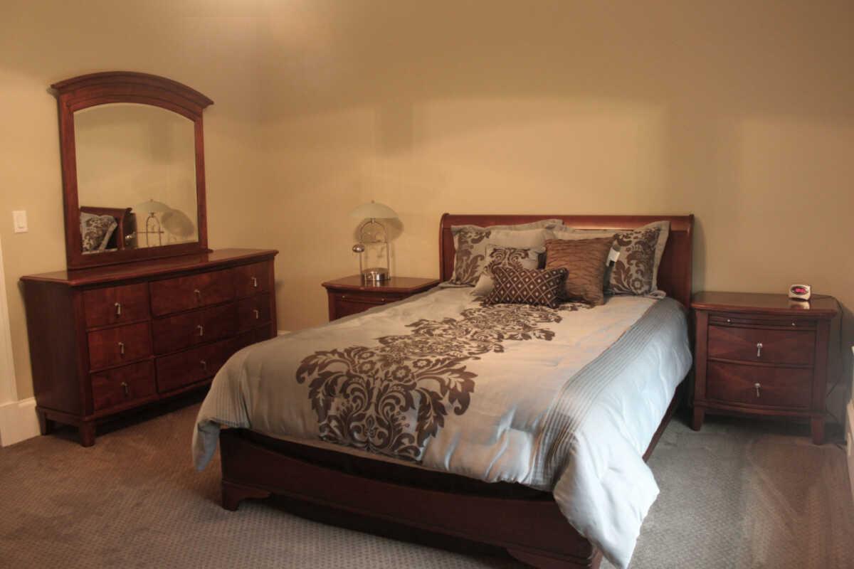 Beige Walls for Bedroom