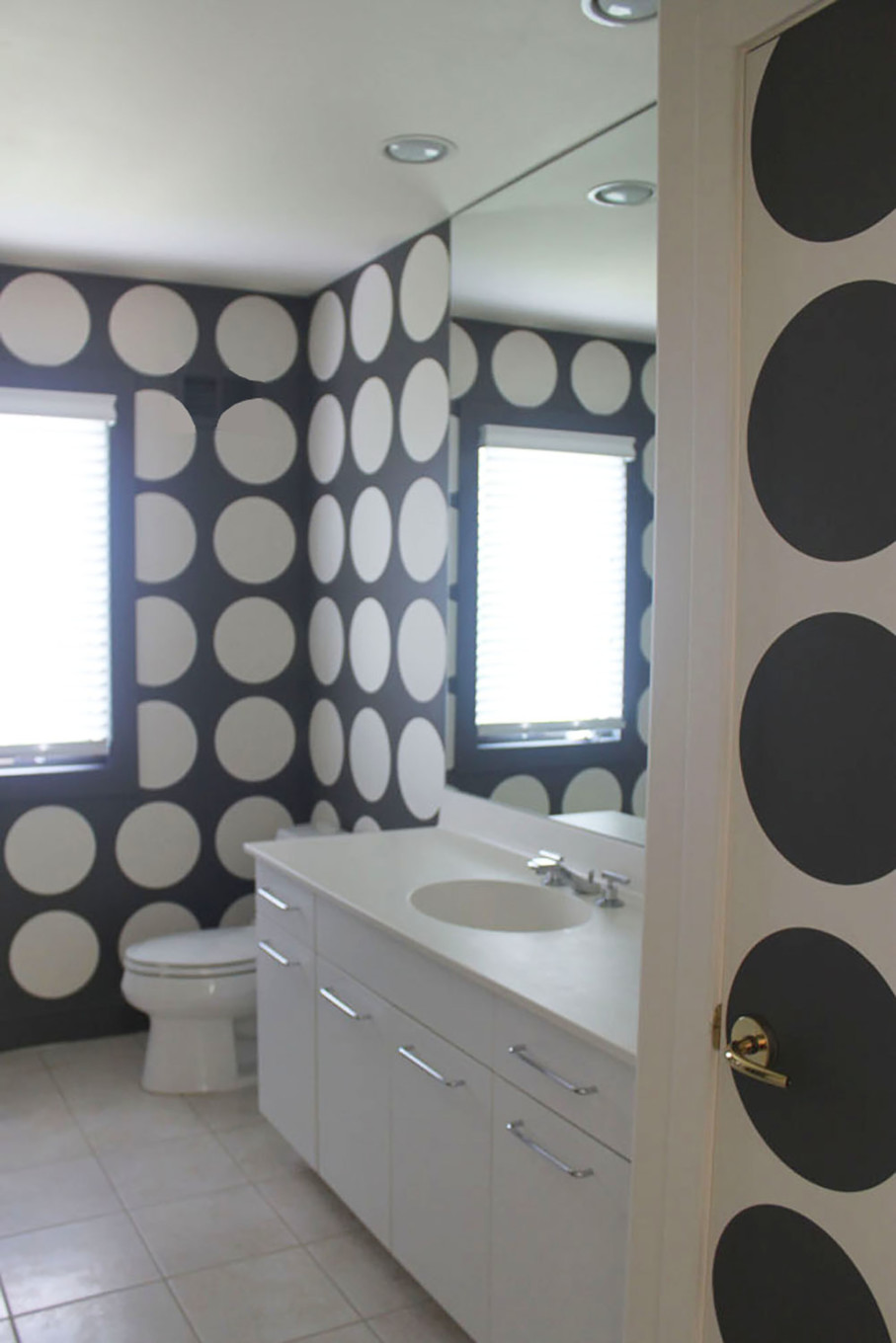 Large Bold Gray and White Circles in Bathroom