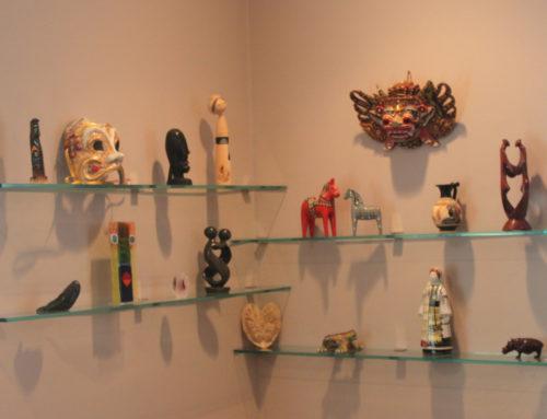 Displaying Tchotchkes, Hanging Art and Photos