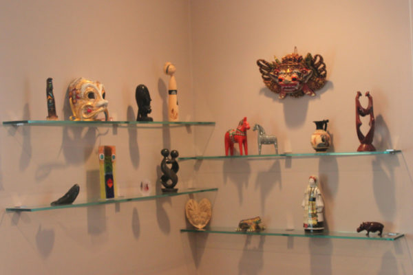 Displaying Art Pieces on Glass Shelves